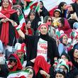 تصاویر منتخب نخستین حضور قانونی زنان ایرانی در ورزشگاه آزادی