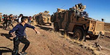 حمله کرُدهای خشمگین سوری به کاروان نظامی ترکیه +فیلم