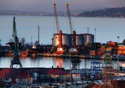 بلوف آمریکایی درباره توقف فروش نفت ایران