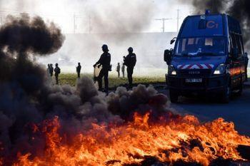 بازداشت ۲۰۰ تن در اعتراضات