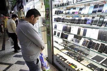 آذری جهرمی خبرداد؛  بازگشت ۱۰۰ هزار گوشی توقیفی به بازار