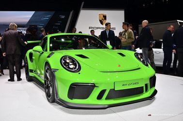 پورشه با معرفی سری جیتی3آر.اس از مدل 911 به سنت دیرین خود ادامه داد