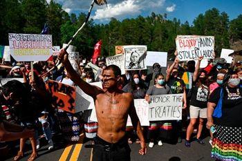 دردسر جدید معترضان آمریکایی برای ترامپ +عکس