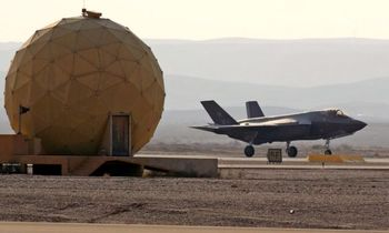 """کنگره آمریکا میخواهد جنگندههای تعدیل شده """"اف-۳۵"""" را به امارات بفروشد؟"""