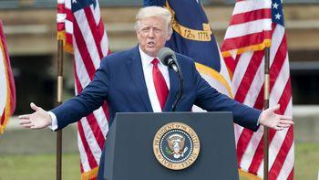 ترامپ عمدا کرونا را کم اهمیت نشان میدهد
