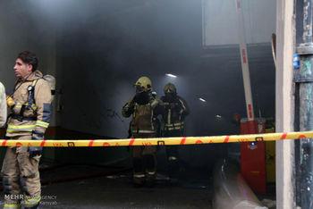 آتش سوزی ساختمان وزارت نیرو وارد ساعت 27 شد/ تشکیل ستاد بحران / اقدامات برای ریزش احتمالی