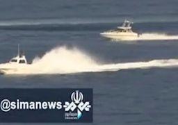 لحظه نزدیک شدن قایقهای تندرو ایران به ناو هواپیمابر آمریکایی +فیلم