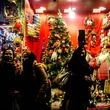 هجوم ایرانی های  غیر مسیحی برای خرید وسایل کریسمس !