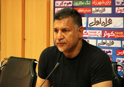 حمله شدید علی دایی به مدیر روابط عمومی وزارت ورزش / فوتبال مدیر عاقل میخواهد
