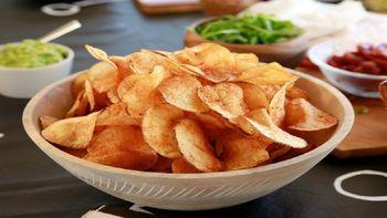 هشدار به علاقمندان به چیپس ؛ به این دلایل این خوراکی را نخورید